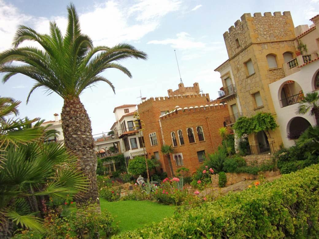 Gardens beside Roc de Sant Gaieta