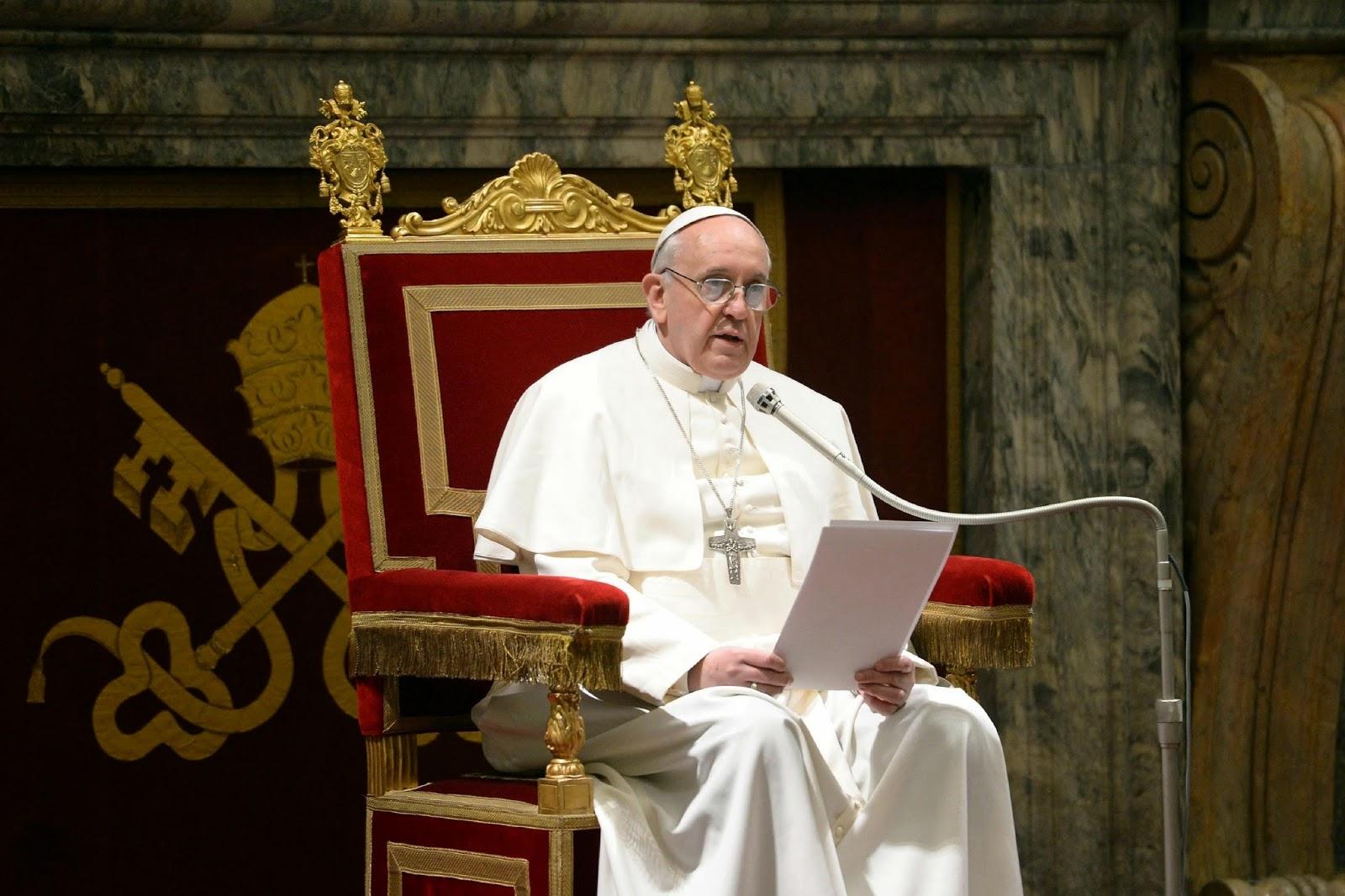 """<img src=""""http://2.bp.blogspot.com/-ooPJF_FmC7s/U5c-aATlbKI/AAAAAAAAANM/0YwvwhHrHR4/s1600/pope-francis.jpg"""" alt=""""Most Powerful People in the World"""" />"""