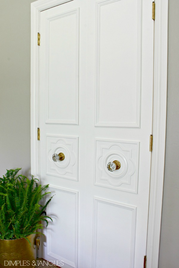 This project probably took a couple of days off and on a little over $100 for the moulding 4 medallions and paint but I think the results are so worth ... & DIY CUSTOM DOOR MOULDING USING A CEILING MEDALLION - Dimples and ... pezcame.com