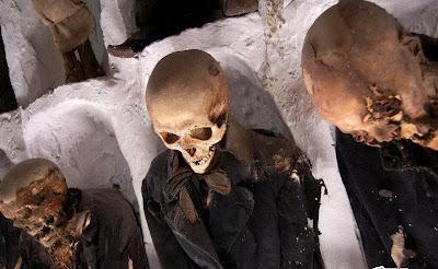 makam-bawah-tanah-yang- aneh