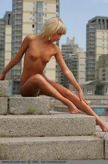 hot mature - sexygirl-12_561-737392.jpg