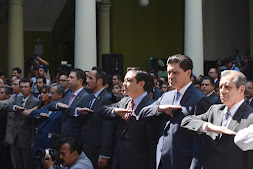 Américo Zúñiga, presente en entrega-recepción de facsimilar de Constitución de 1917 a Veracruz