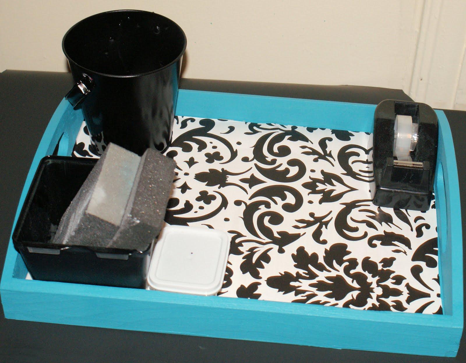 http://2.bp.blogspot.com/-ootuElkTewM/TlnjMatNWrI/AAAAAAAASks/ohd_qlw6vjA/s1600/stenciled+tray.jpg