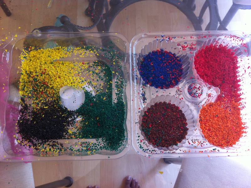 how to make crayon shavings art