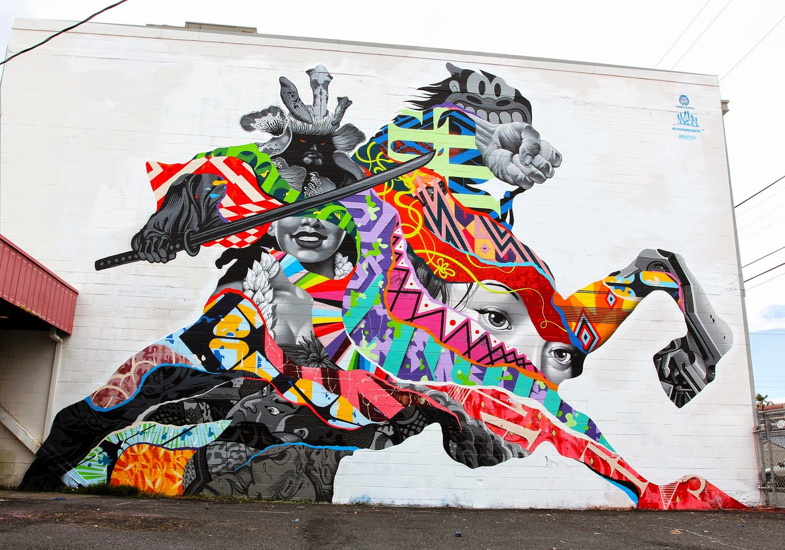 After a huge mural last year on the same building, Tristan Eaton is back in lovely Hawaii to work on a brand new mural for Pow! Wow! Hawaii 2015.