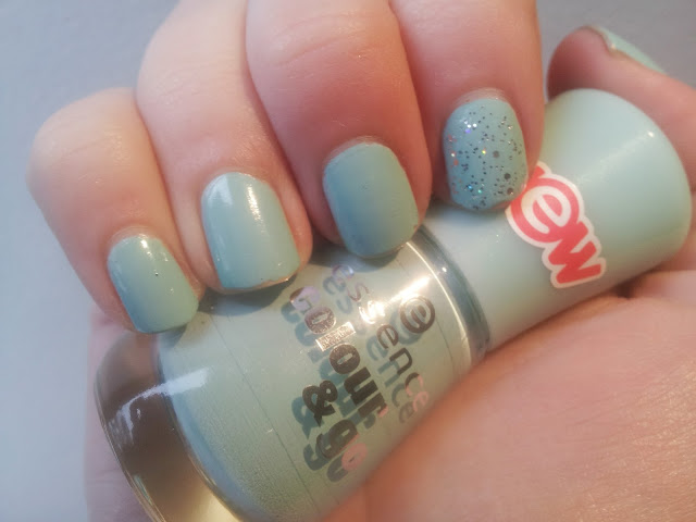 essence that's what i mint nailpolish