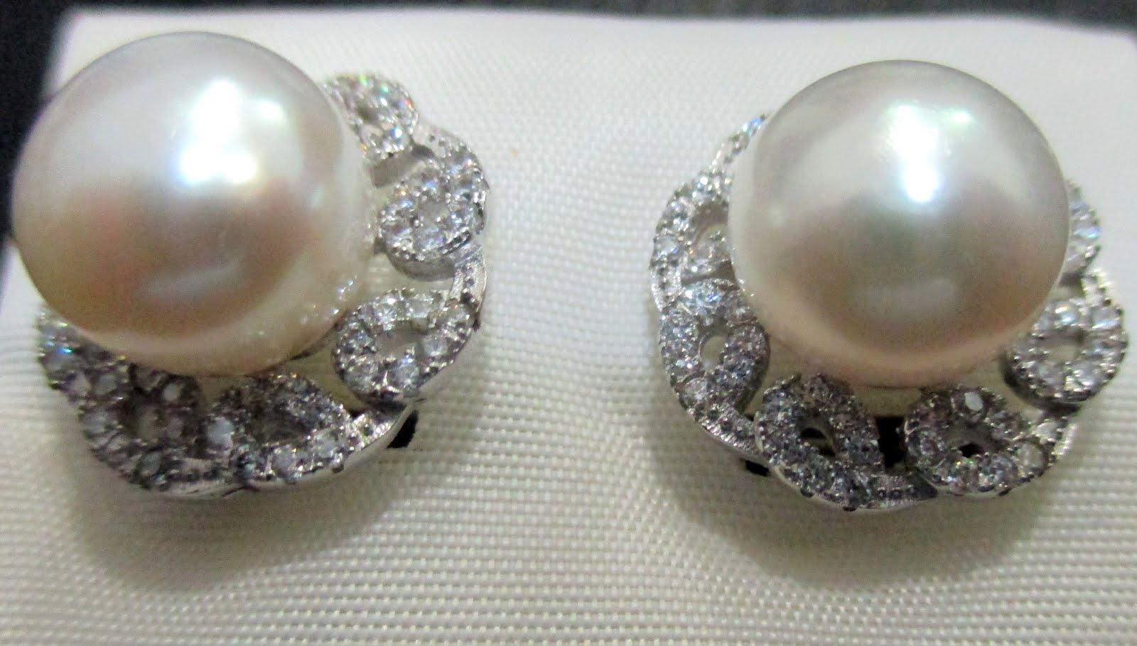 Pendientes de plata con perla y circonitas,