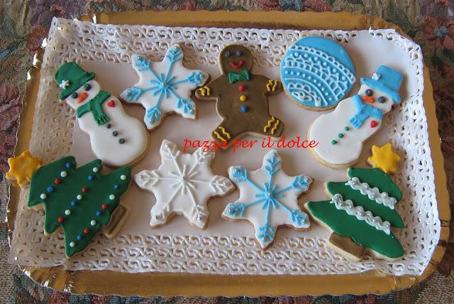 e nell'aria si respira gia' il natale ... i miei biscotti decorati