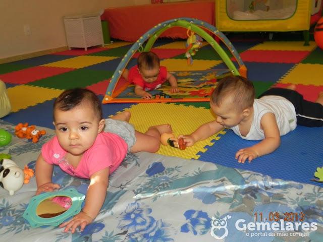 A brinquedoteca dos trigêmeos: Alice, Júlia e Vitor
