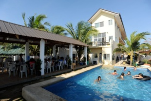 Discover bataan beach resorts for Beach resort in morong bataan with swimming pool