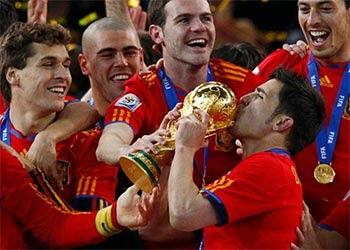 PREDIKSI HASIL PERTANDINGAN JUARA EURO 2012 SPANYOL VS ITALIA 2 JULI 2012