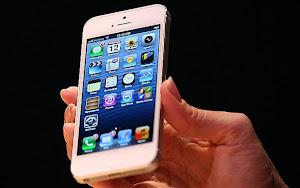 smartphone touchscreen terbaik 2012, hp layar sentuh terbaik, handphone dnegan layar paling oke