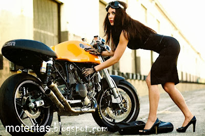 café-racer-girl-and-motorcycle-hd-wallpaper-ducati