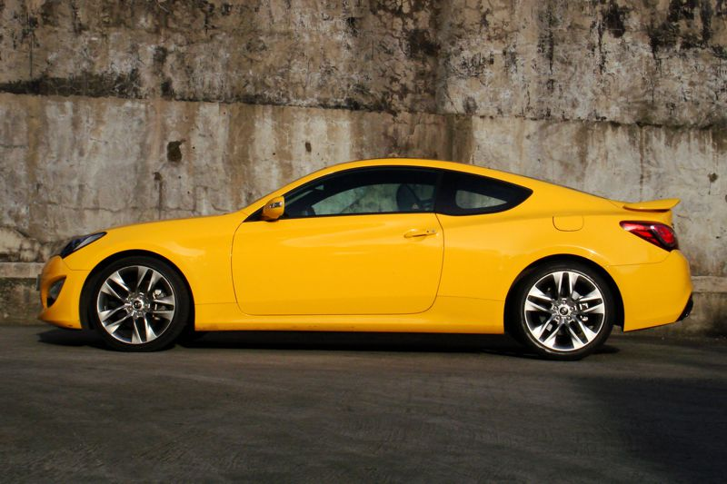 review 2013 hyundai genesis coupe 3 8 v6 philippine car news car reviews automotive. Black Bedroom Furniture Sets. Home Design Ideas