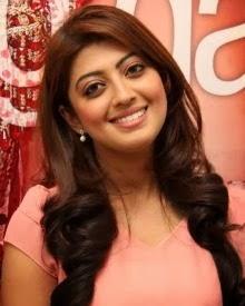 pranitha subhash spicy hot smile pic