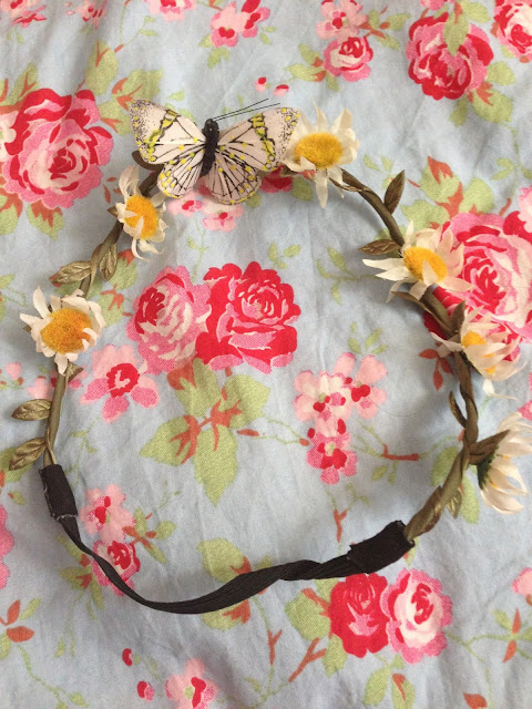 primark floral crown with buttrfly