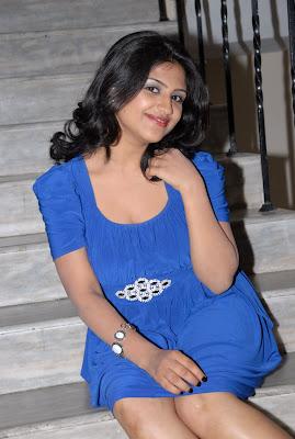 supriya at sashesham audio launch, supriya glamour  images