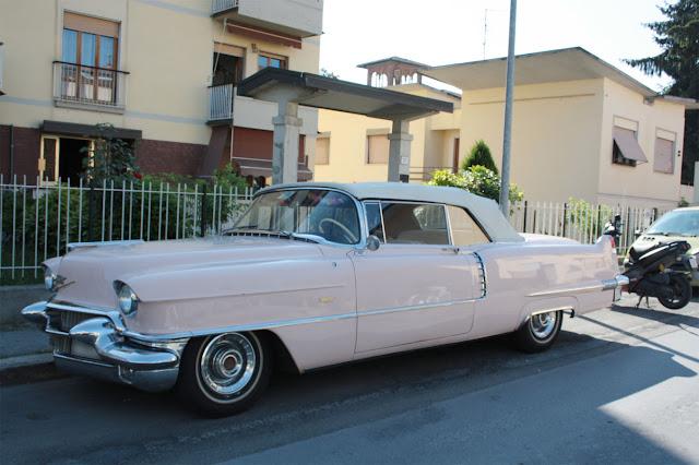 Cadillac rosa