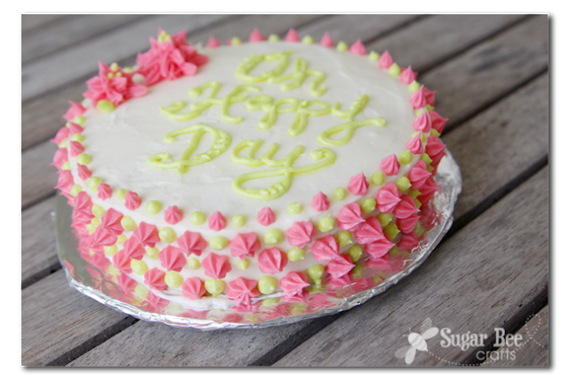 Homemade Cake Icing Designs : The Secret to Cake Lettering Spacing - Sugar Bee Crafts