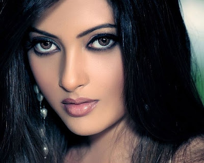 Indian Film Actress and Model - Riya Sen
