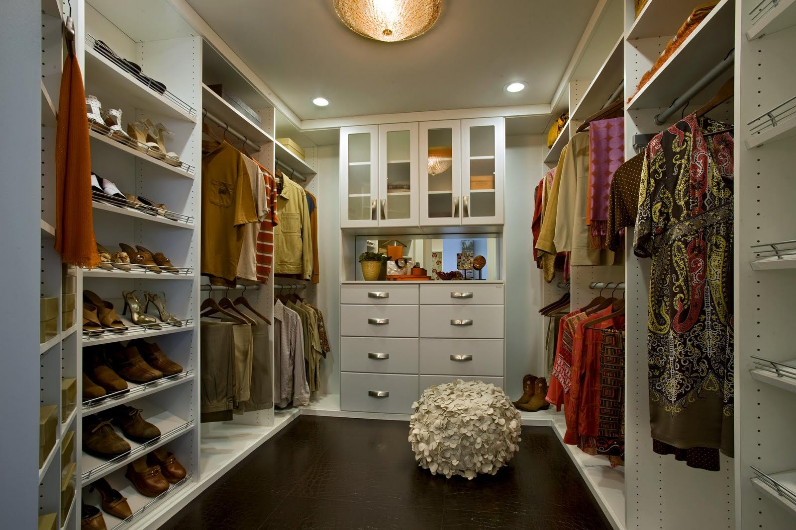 17 elegant and trendy bedroom closet desingns home for Walk in closet decor