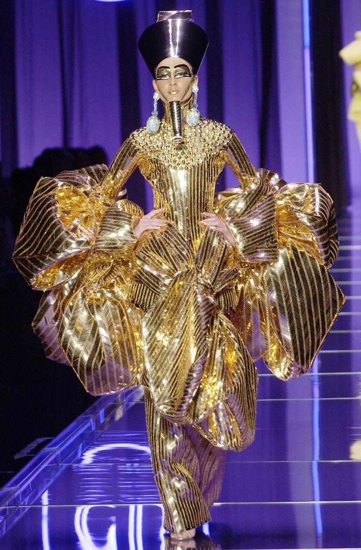Vibrant Vivacious Veracious Beauty Blog Halloween Look Of The Day Walk Like An Egyptian