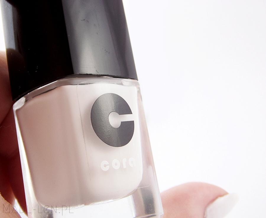 Biały lakier, białe paznokcie, Coral 08