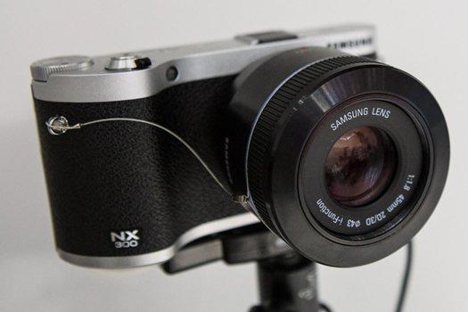 14 Produk Teknologi Terbaik dari CES Tahun 2013: Lensa Kamera Samsung 45mm 2D3D