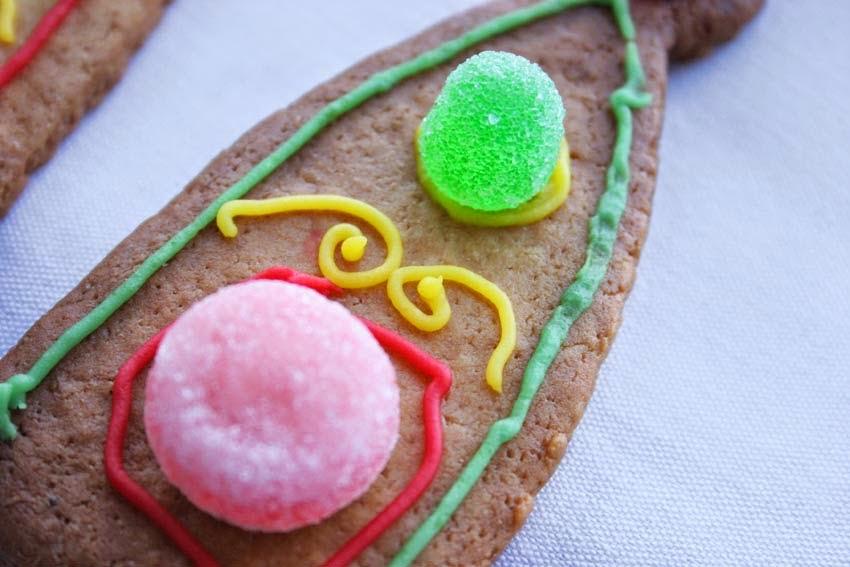 Galletas decoradas con chuches para tarta corona4