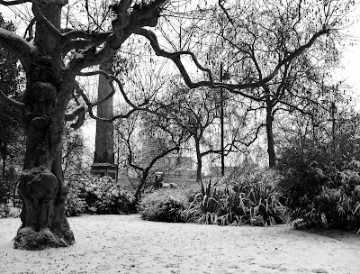 Snow in Victoria Embankment Gardens