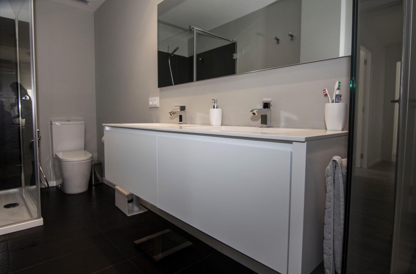 Armarios De Baño Grandes: , grandes y amplios, para colar todos los utensilios de higiene