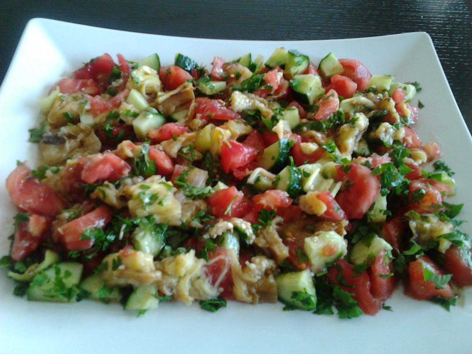 Fırında patlıcan salatası