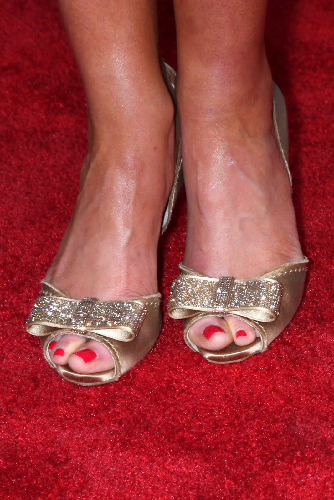 Victoria Justices Legs And Feet-23 Sexiest Celebrity Legs