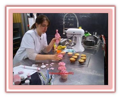 Cupcake Vainilla Rosa Cumpleaños Aniversario Boda Fiesta Comunión Niña Buttercream Azúcar Glas Receta Fáci