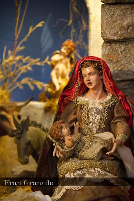http://franciscogranadopatero35.blogspot.com/2013/12/fotografias-portal-de-belen-hermandad_12.html