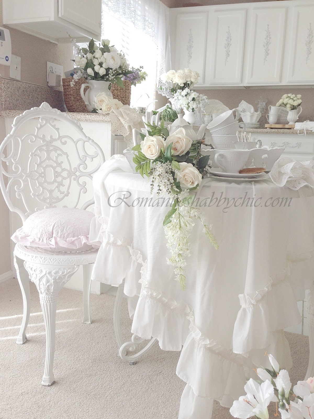 my shabby chic home romantik evim romantik ev my shabby chic kitchen. Black Bedroom Furniture Sets. Home Design Ideas