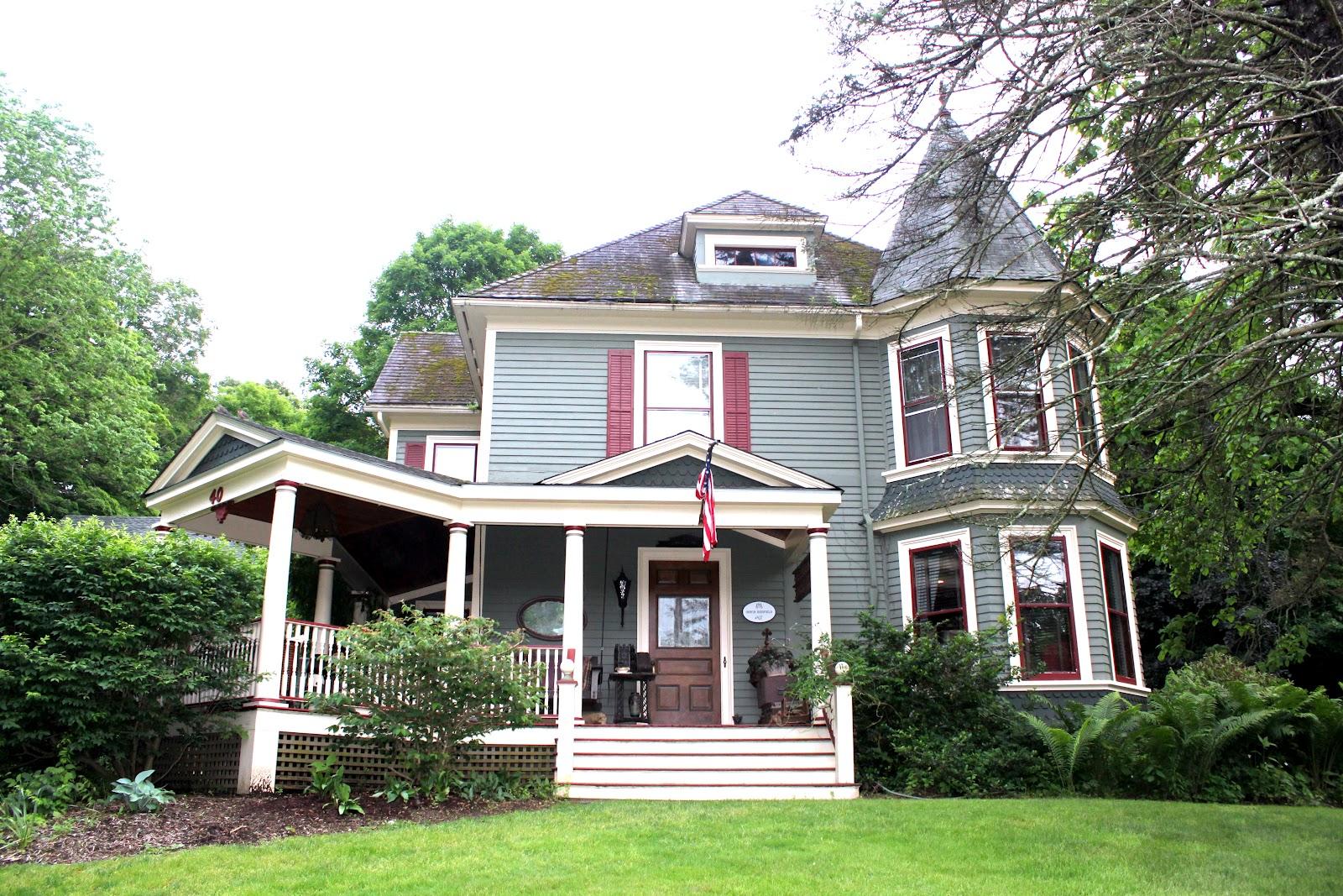 52 Flea Deanna 39 S Beautiful Victorian Home
