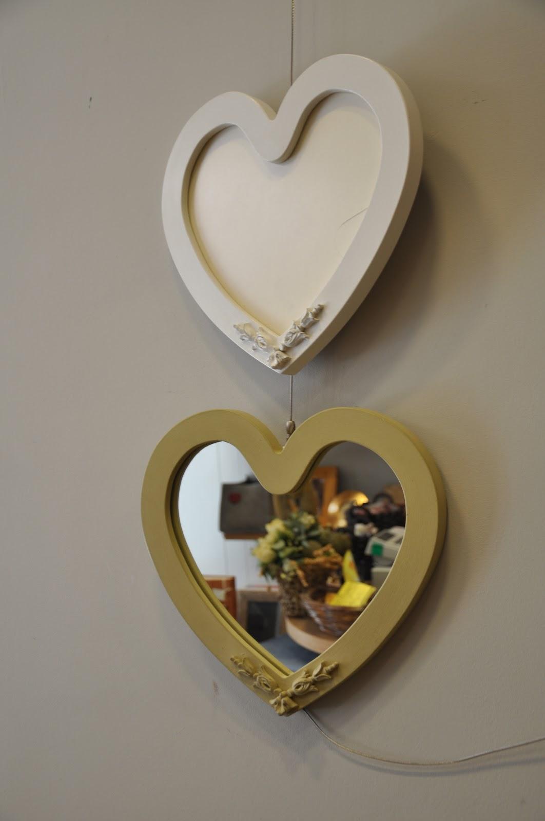 Interiors e creazioni cornici e oltre cornici e specchi - Specchio a cuore ...