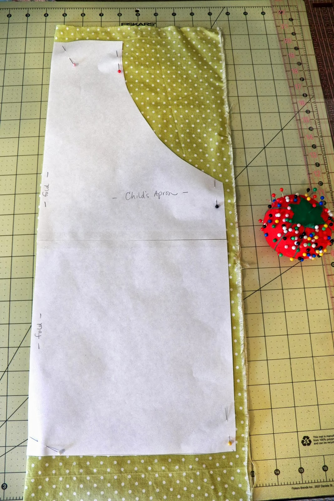 Ordinary Lovely Toddler Apron Tutorial