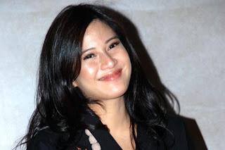 wanita paling cantik Indonesia dian sastrowardoyo