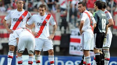 Racing profundizó la crisis de River Plate