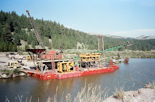 A floating Wash plant designed and built by Rob Towner for Mining Sapphires