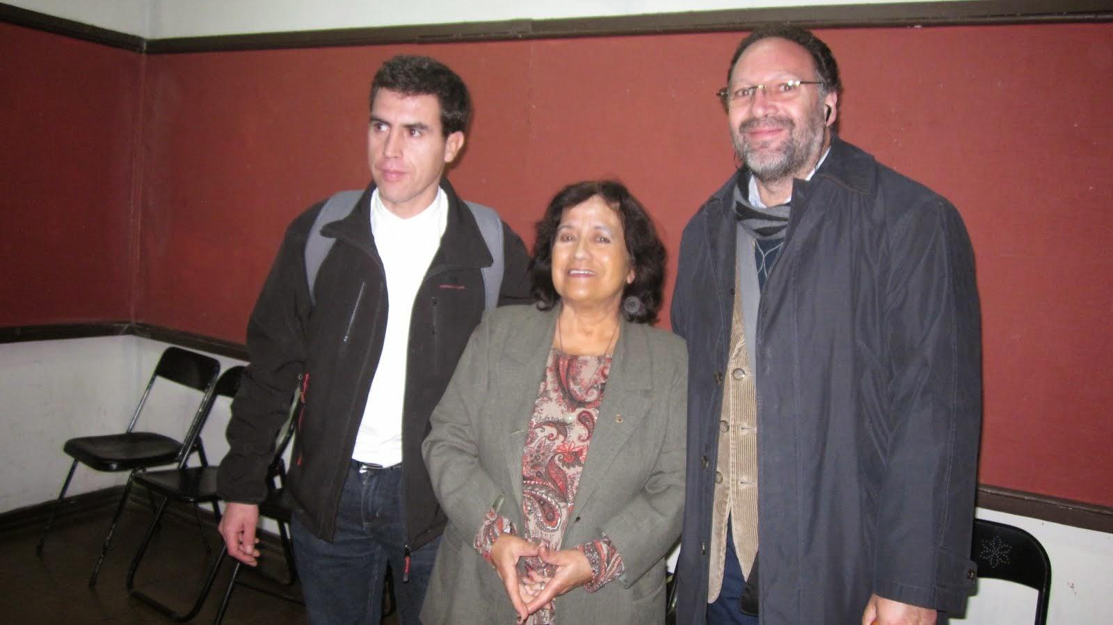 Segunda presentación de Destinos en Grupo Literario Ñuble (10 abril 2013)