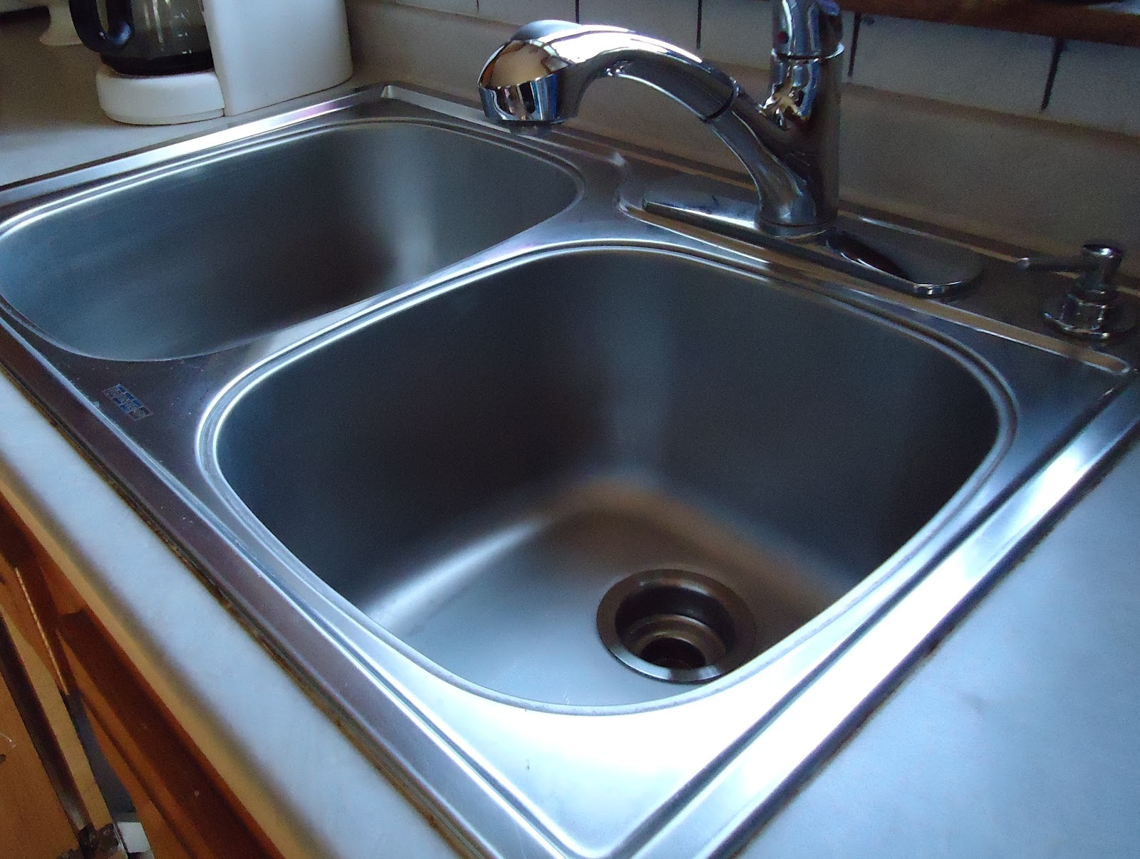 Easy peasy education shine your sink - How to clean bathroom sink drain ...