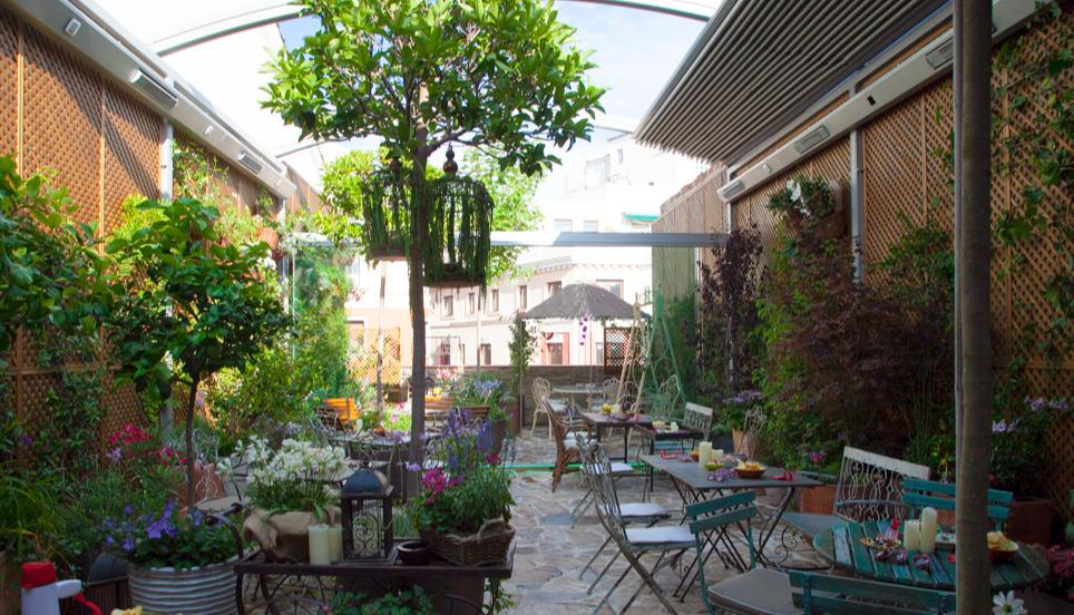 Mad queens la fiebre de los locales clandestinos for Cafe el jardin madrid