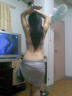 hot, sexy desi girl, showing back