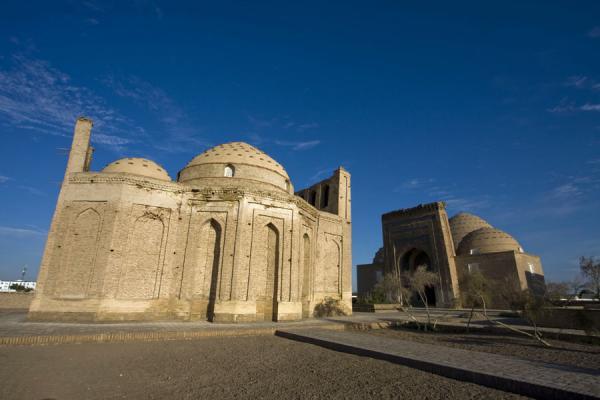 Marian Molé - La Kubrawiya entre Sunnisme et Chiisme aux huitième et neuvième siècles de l'Hégire