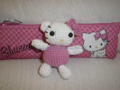 Amigurumi mini Hello Kitty