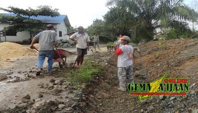 Indocement Bantu Bangun Infrastruktur Desa