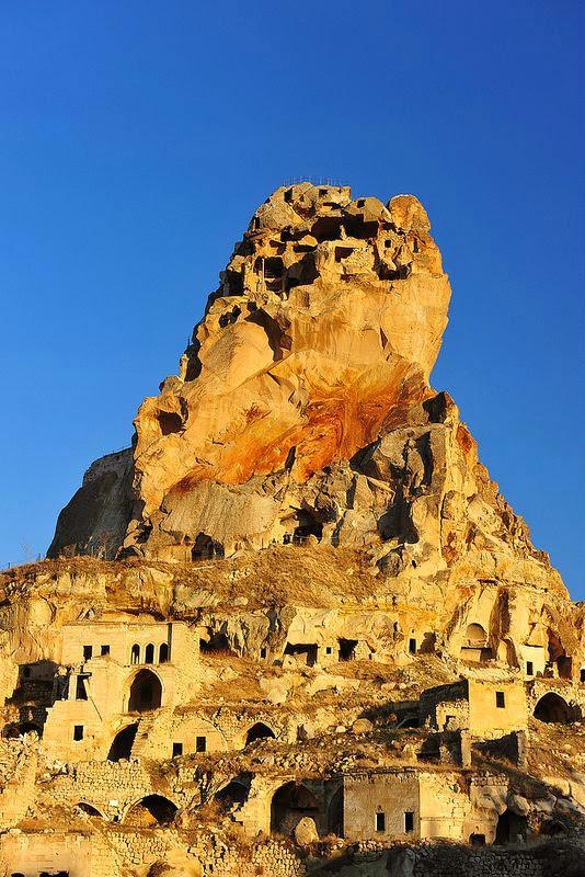 Ortahisar castle-kapadokya-Turkey